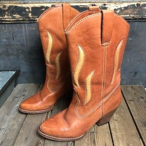 Gorgeous Vintage Buskins Cowgirl Boots